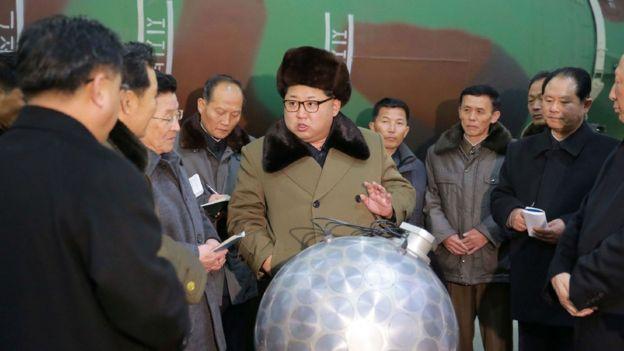 Kim Jong un se reúne con altos militares de Corea del Norte.