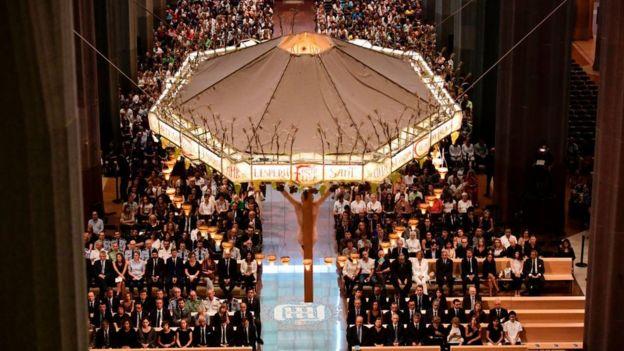 Sagrada Familia'da düzenlenen anma töreni