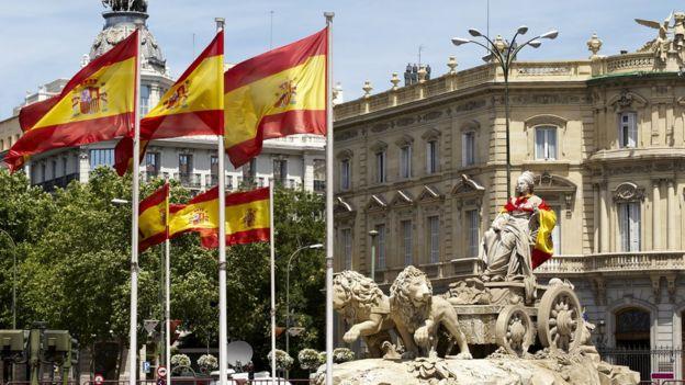 Bandeiras espanholas em Madri