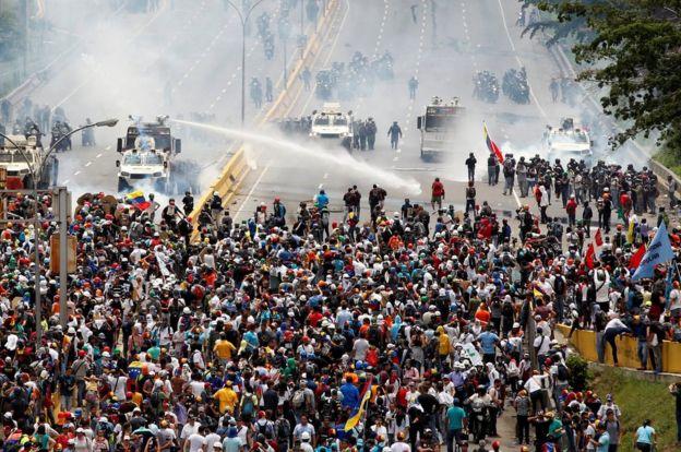 Masiva protesta en Venezuela