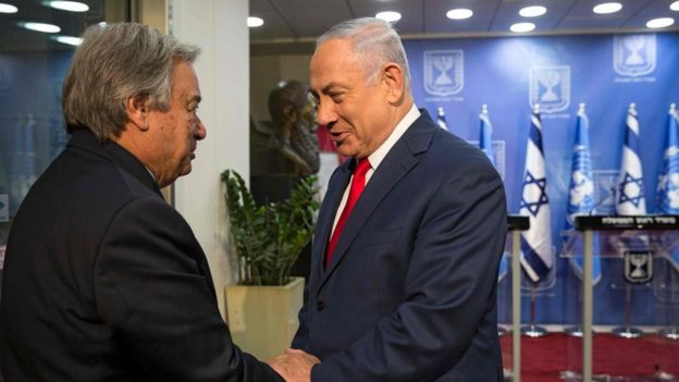 UN Secretary General António Guterres shakes hands with Israeli Prime Minister Benjamin Netanyahu in Jerusalem on 28 August 2017
