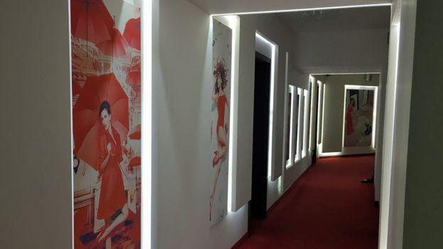 Studio 20 koridorları