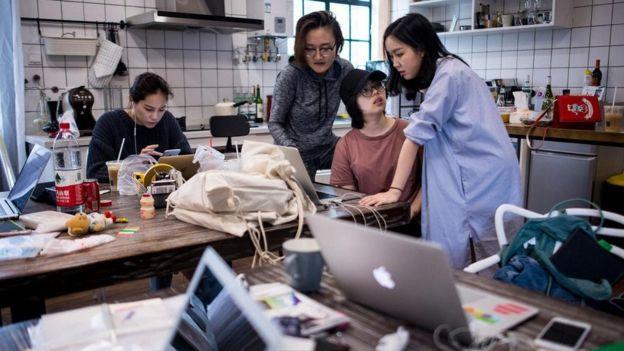 Mulheres chinesas trabalhando