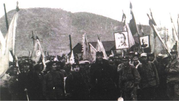 表明要前往台灣的中國籍戰俘在集中營內進行反共示威。