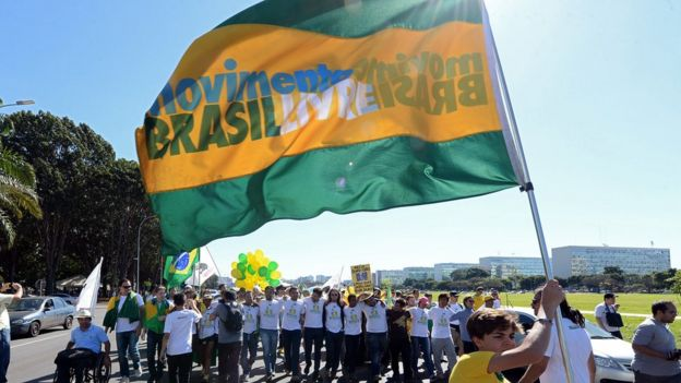 Activists of the Free Brazil Movement (MBL) take part in the March for Freedom in demand of President Dilma Rousseff's impeachment in Brasilia, Brazil on May 27, 2015.