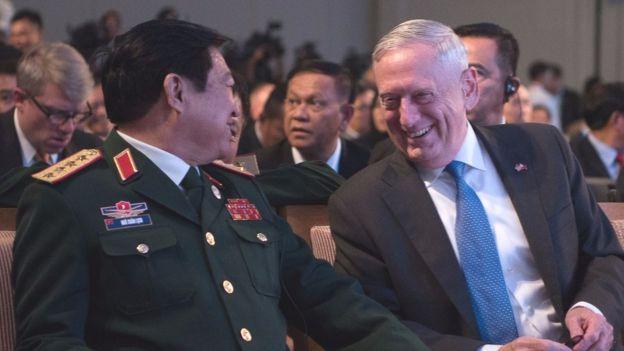 Bộ trưởng Quốc phòng Mỹ khẳng định lại cam kết của Hoa Kỳ đối với tự do hàng hải, hàng không...