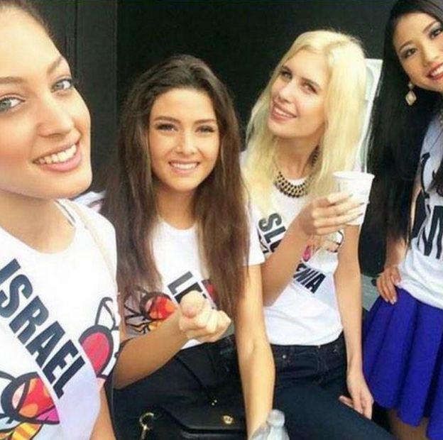 Селфи конкурсанток из Израиля, Японии, Словении и Ливана