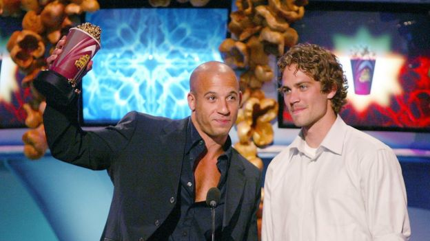 Diesel y Walker cuando recibieron un MTY Movie Award en 2002.
