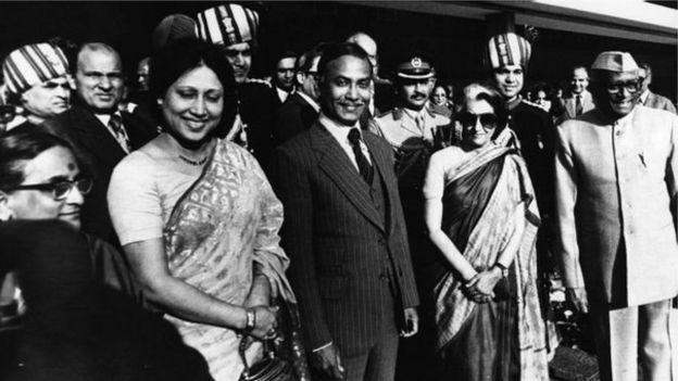 ভারতের সাবেক প্রধানমন্ত্রী ইন্দিরা গান্ধীর সাথে বিএনপির প্রতিষ্ঠাতা জিয়াউর রহমান ও খালেদা জিয়া
