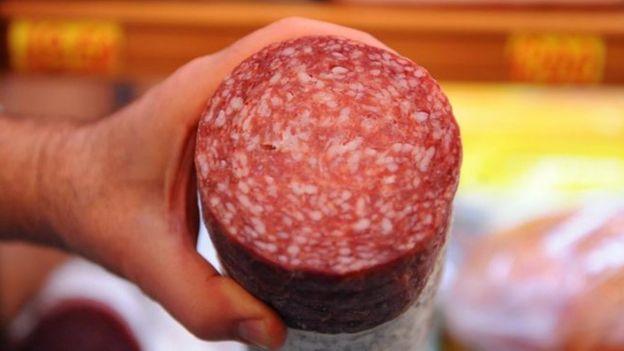 Fotografía de un salami.