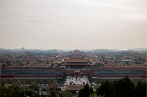 In this photo taken on October 31, 2017, a general view of The Forbidden City is seen during heavy smog in Beijing. / AFP PHOTO / FRED DUFOUR (Photo credit should read FRED DUFOUR/AFP/Getty Images)