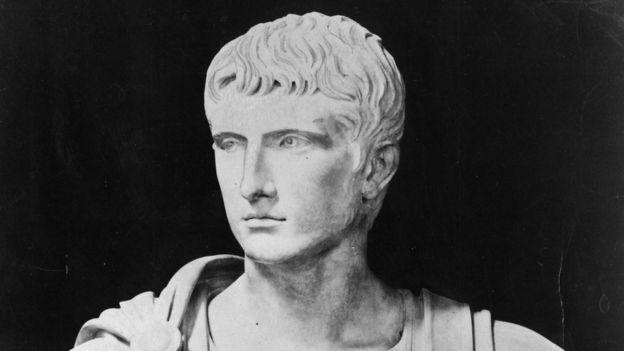 Busto del emperador romano Augusto