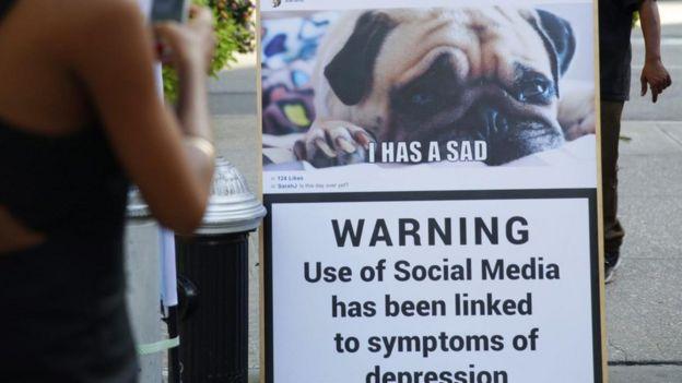 Un aviso de una campaña de Talkspace que dice