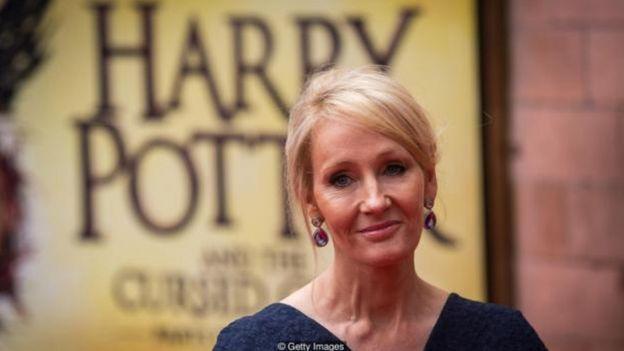JK Rowling đã bị hàng chục nhà xuất bản khước từ trước khi bán các các cuốn 'Harry Potter'.