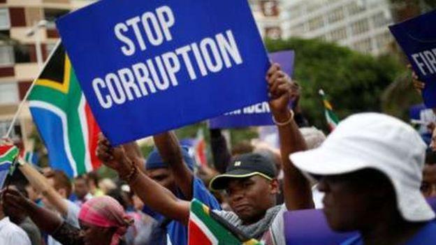 Maandamano ya kumngatua mamlakani rais Zuma yafanyika katika miji yote Afrika Kusini