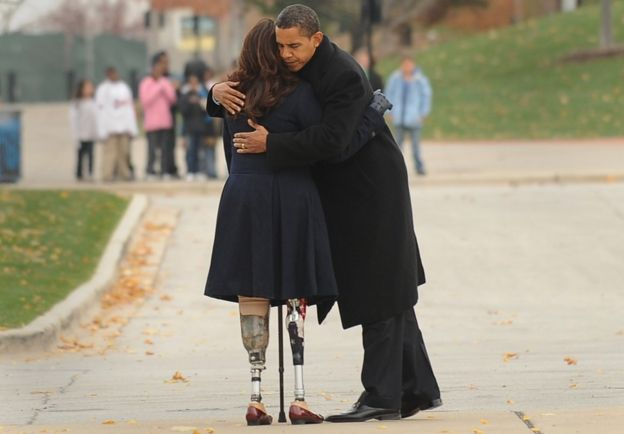 Barack Obama (L) embraces Iraqi war veteran and Illinois State Director of Veterans Affairs, Tammy Duckworth (R), - November 2008