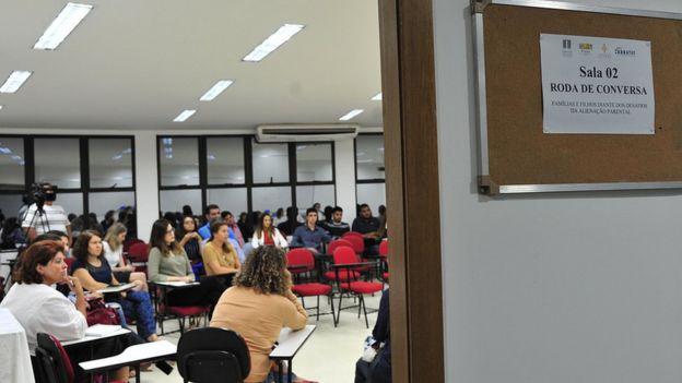 Projeto de constelação chamado 'Roda de Conversa' no Tribunal de Justiça de Goiás