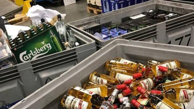 Cajas de alcohol y cerveza