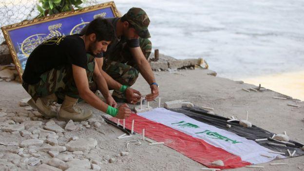 تأبين للجنود الذين قتلهم تنظيك الدولة في مخيم سبايكر