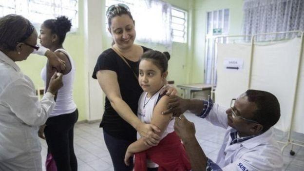 Vacinação contra a febre amarela