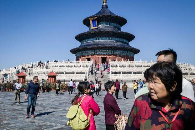 Turistas visitando el Templo del Cielo en 2016