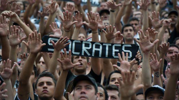 Afición tras la muerte de Sócrates en 2011