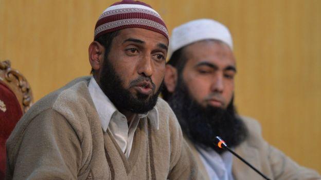 Ahmed Khalid (izq.)