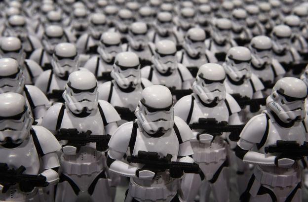 _87373845_stormtroopers_getty976b.jpg