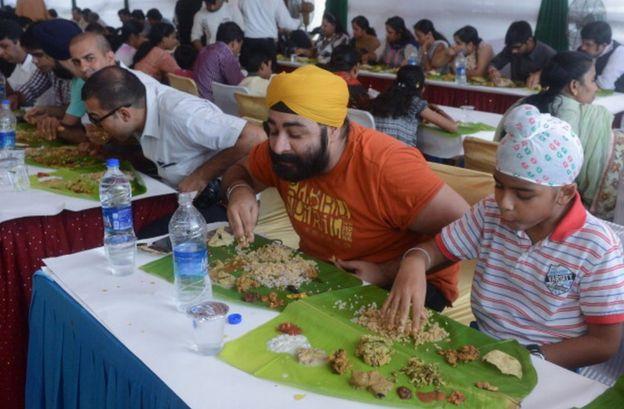 Indians eat Onam Sadya in Deli