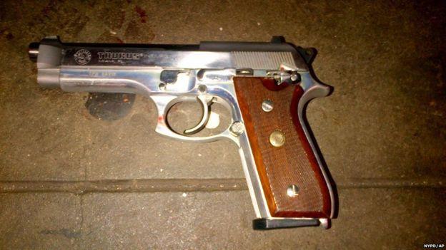 Um revólver