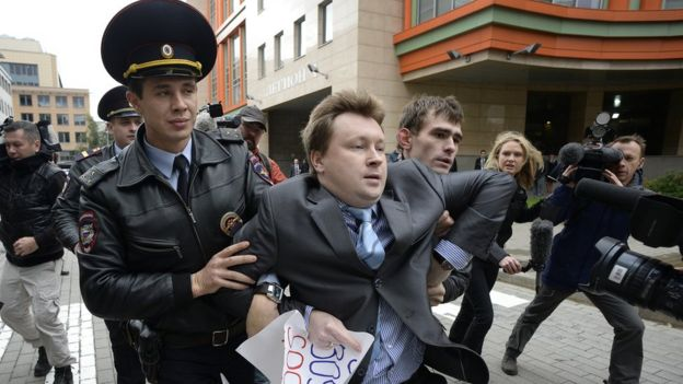 Arrest of Nikolai Alexeyev in Moscow, 25 Sept 2013