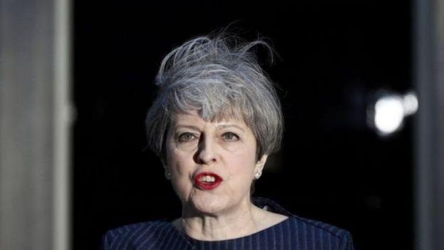 Hiện đảng Bảo thủ của bà May chỉ có đa số sít sao trong Quốc hội