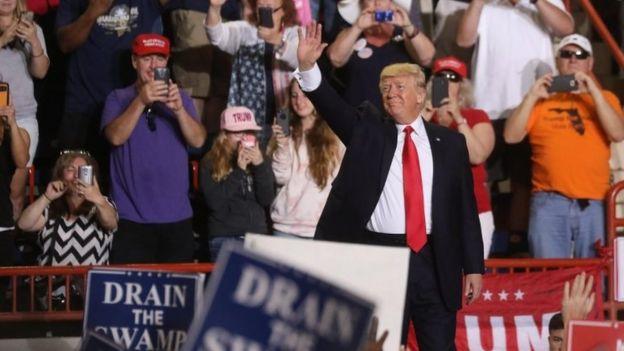 Donald Trump durante el mitin en Harrisburg, Pennsylvania.