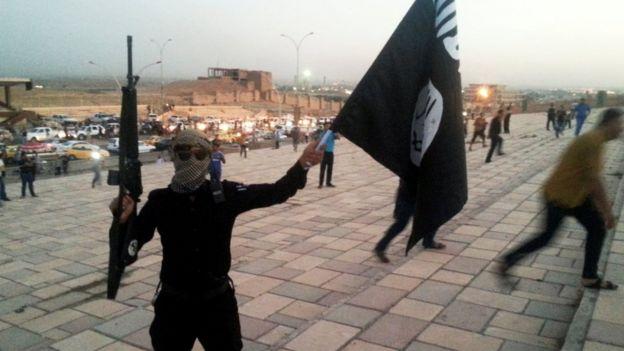 IŞİD, El Kaide yönetimine meydan okuyarak kuruldu.