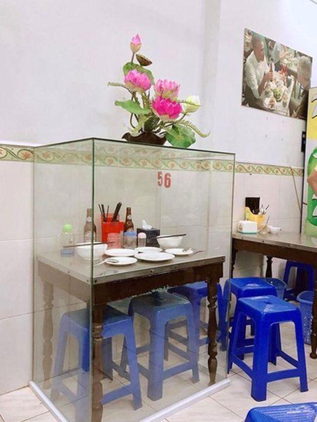 Việc trưng bày đồ dùng thường dành cho các vị lãnh đạo cao cấp của Việt Nam