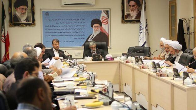 جلسه شورای عالی انقلاب فرهنگی در اردیبهشت ۱۳۹۶