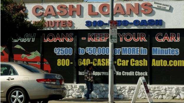Loan business giving a car as collateral.