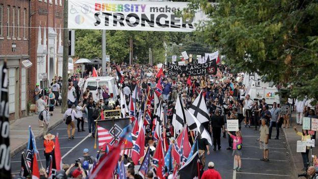 Enfrentamiento entre supremacistas blancos y opositores en Charlottesville