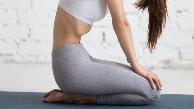 Posición de yoga