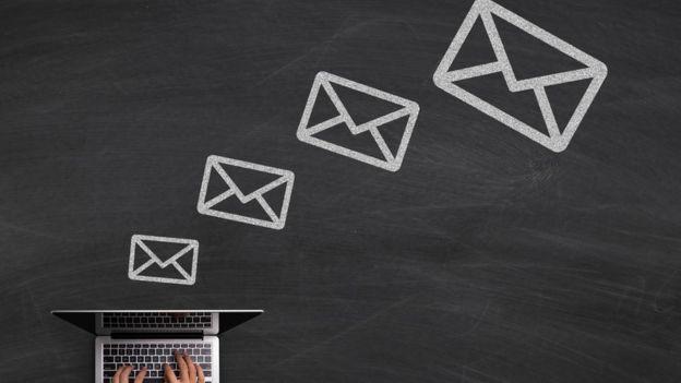 emails (ilustración)