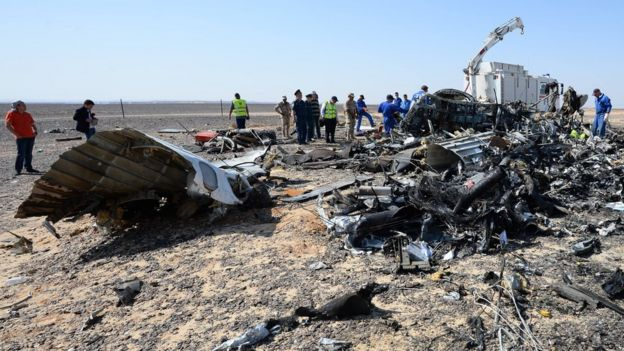 Debris of the A321 Russian airliner in Egypt's Sinai Peninsula, on 2 November 2015