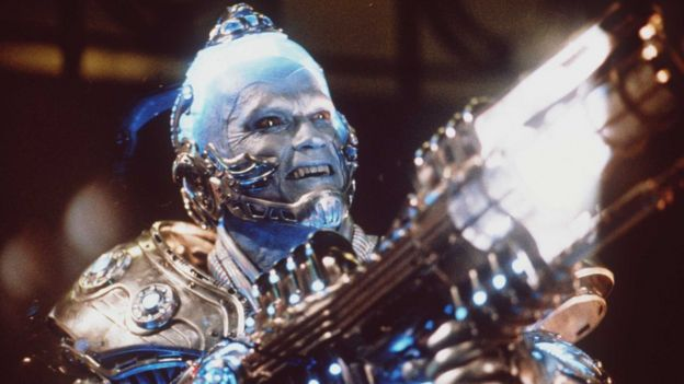 Mr. Freeze interpretado por Arnold Schwarzenegger.