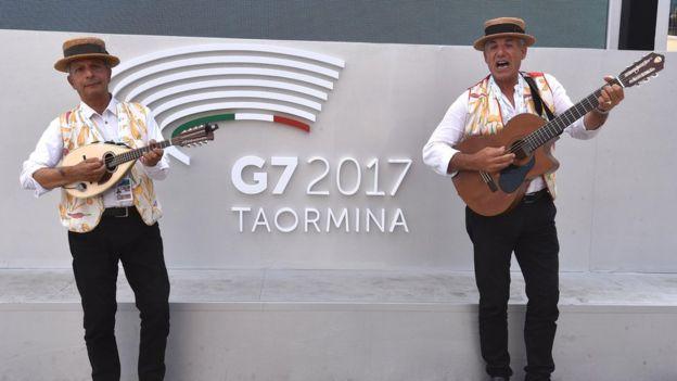 G7 zirve müzisyenler
