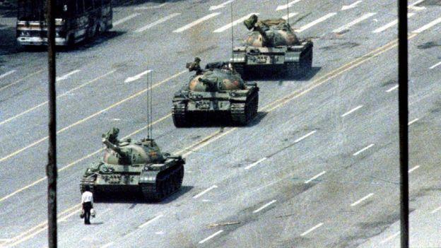 坦克人照片
