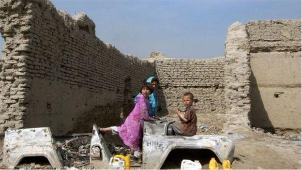 Crianças afegãs