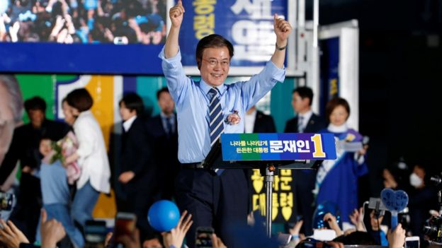 Moon Jae-in, the presidential candidate of the Democratic Party of Korea, attends his election campaign rally in Seoul, South Korea May 8, 2017