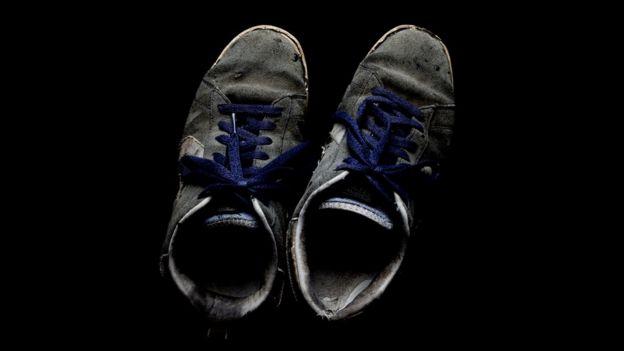 Sapatos sujos