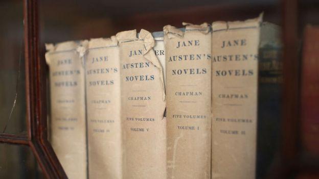 Libros alineados.