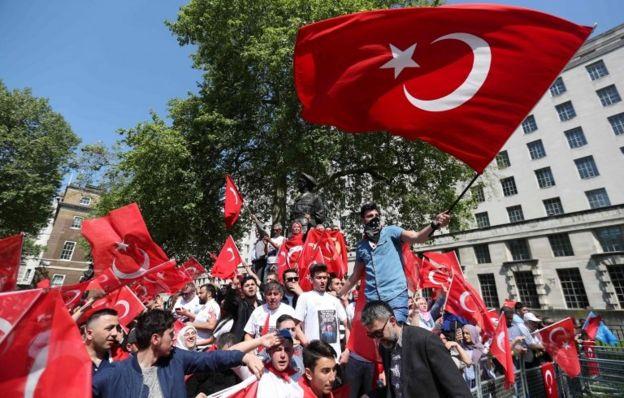 رئیس جمهور ترکیه سه روز عزای عمومی اعلام کرده و برای جمعه آینده فراخوان تظاهرات داده