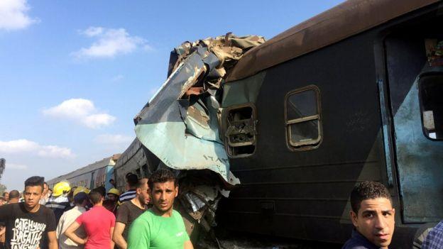 مقامهای نظام بهداشت و درمان مصر میگویند بیش از ۱۲۰ نفر در این تصادف کشته شده اند.